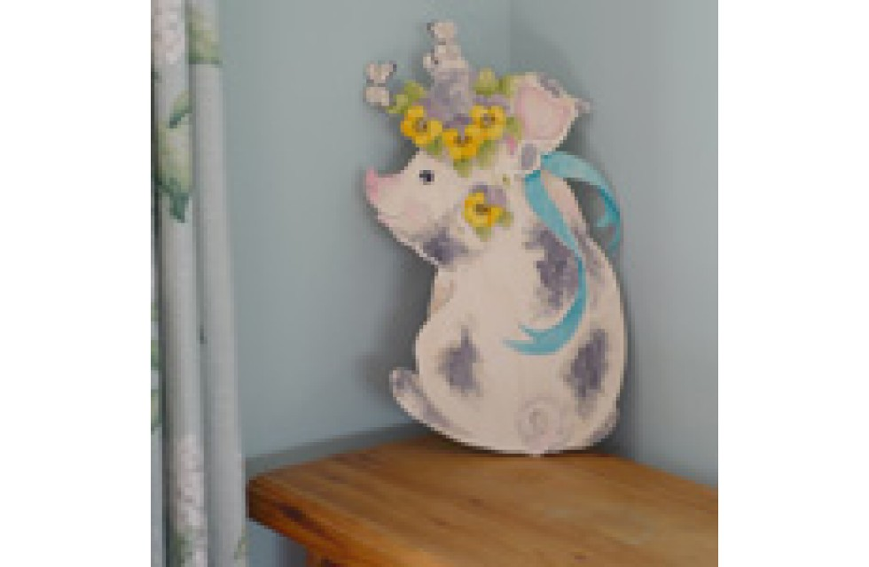 Pansy Pig Wall Plaque